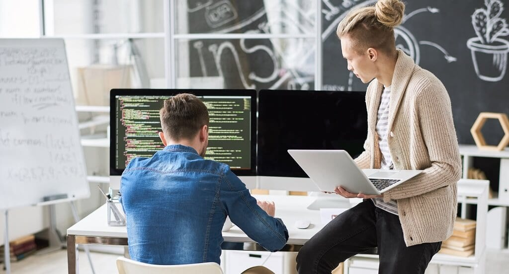 Benefits-of-outsourcing-it-support-services